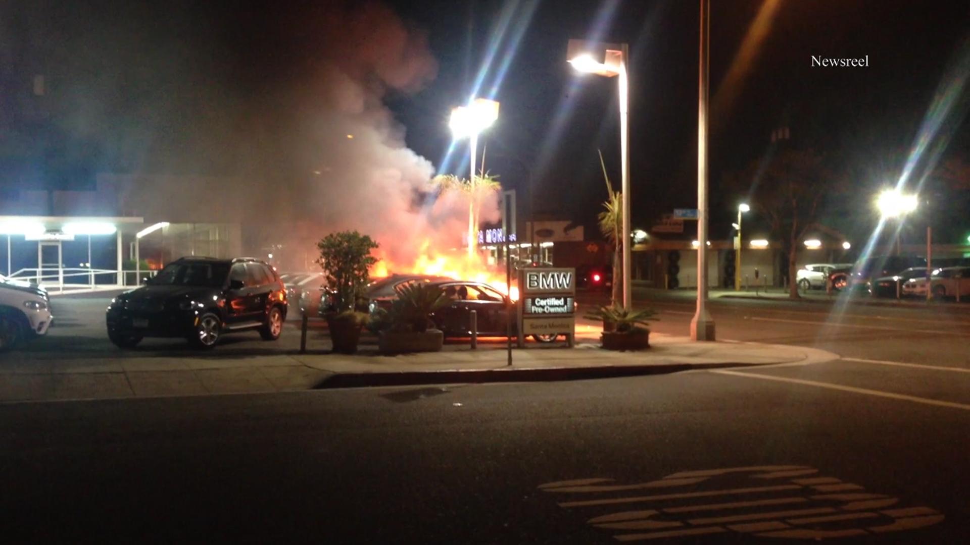 Bmw Dealership In Santa Monica Loses Cars To Apparent Arson Witnesses Described Fire Setter Ktla