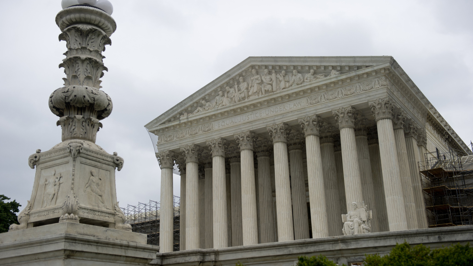 The U.S. Supreme Court is seen in Washington, DC, June 18, 2012. (Credit: SAUL LOEB/AFP/GettyImages)