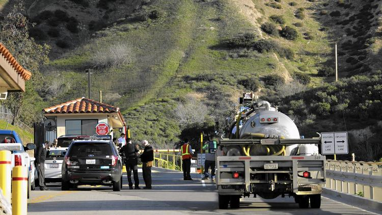 The entrance to Southern California Gas Co.'s Aliso Canyon storage facility. Crews on stopped the flow of methane at the site on Feb. 11, 2016. (Credit: Irfan Khan/Los Angeles Times)
