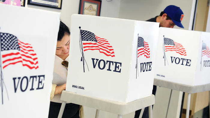 Voters make selections on Nov. 3, 2014, in Norwalk. (Credit: Wally Skalij / Los Angeles Times)