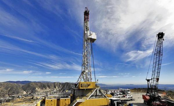 The Aliso Canyon gas storage facility drew scrutiny when a four-month leak forced residents in nearby Porter Ranch from their homes. (Credit: Irfan Khan / Los Angeles Times)