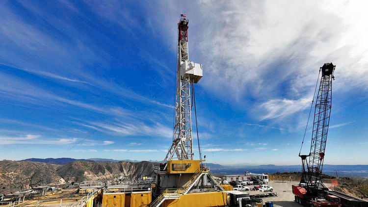 The Aliso Canyon gas storage facility drew scrutiny when an natural gas leak forced residents in nearby Porter Ranch from their homes. (Credit: Irfan Khan/Los Angeles Times)