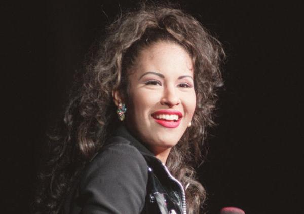 Selena Quintanilla is just one of 34 new honorees who will each be recognized with a star on the Hollywood Walk of Fame in 2017. (Credit: Los Angeles Times)
