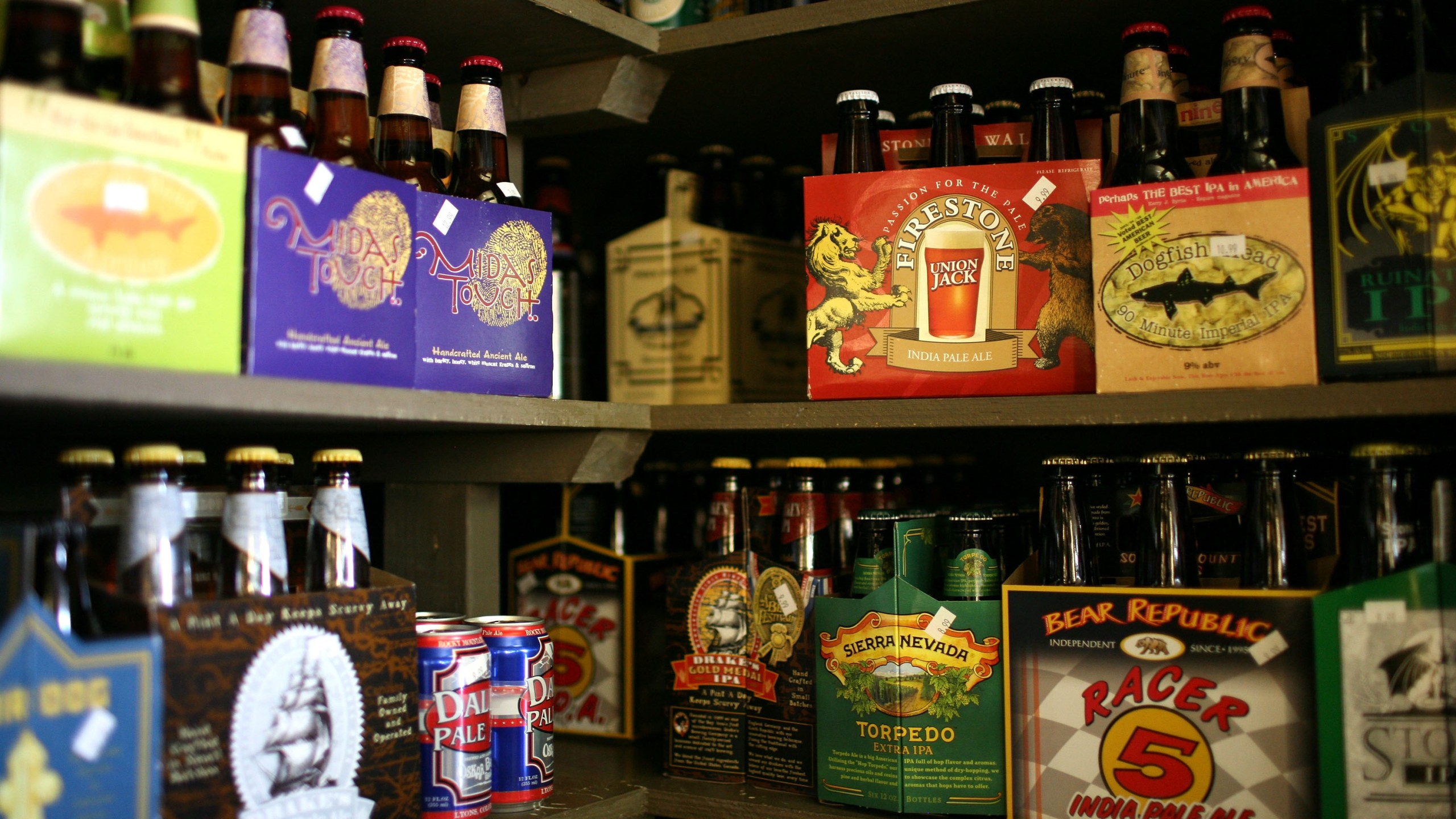 Six packs and single bottles of beer are displayed on a shelf at the City Beer Store May 20, 2009, in San Francisco. (Credit: Justin Sullivan/Getty Images)