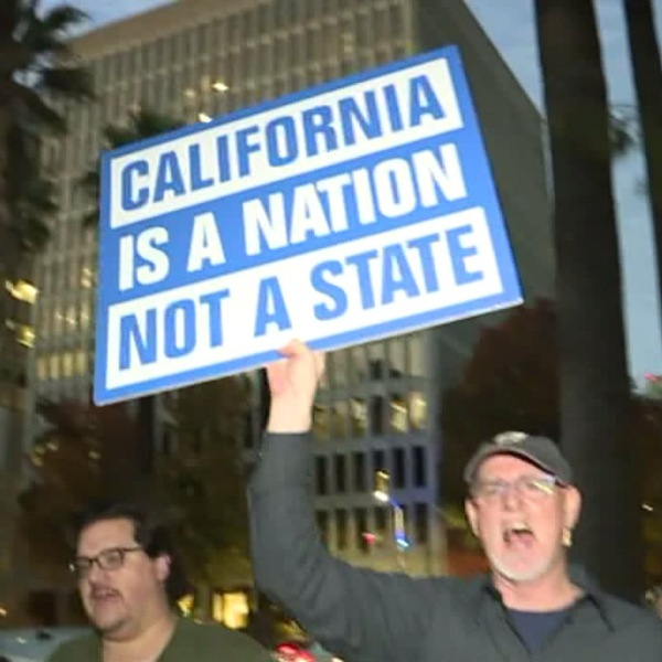 Calexit supporters protest in Sacramento the day after the presidential election, Nov. 9, 2016. (Credit: KTXL)