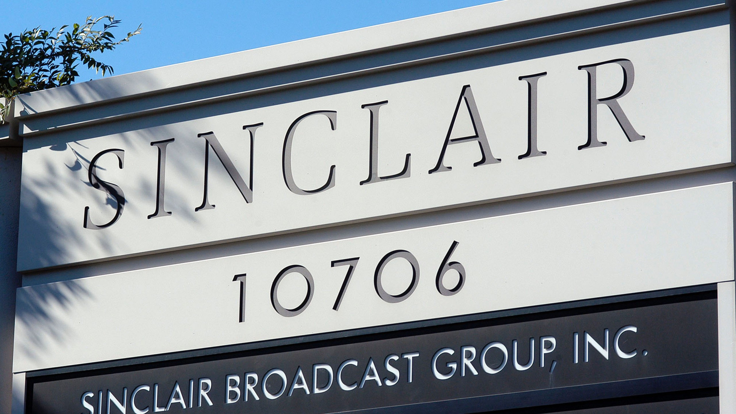 A sign for the Sinclair Broadcast building is seen in a business district Oct. 12, 2004, in Hunt Valley, Maryland. (Credit: William Thomas Cain / Getty Images)
