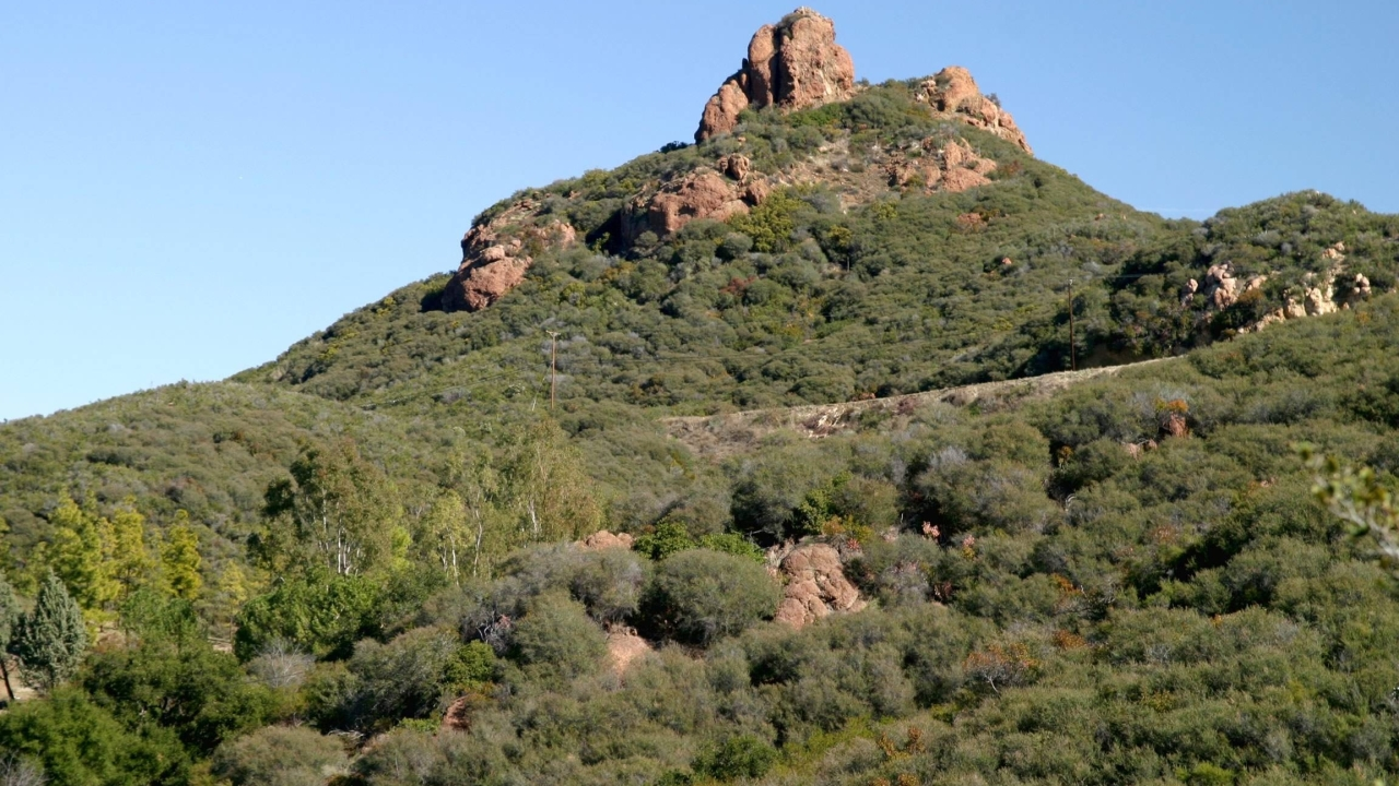 Santa Monica Mountains closes all Ventura County trails, overlooks on weekends