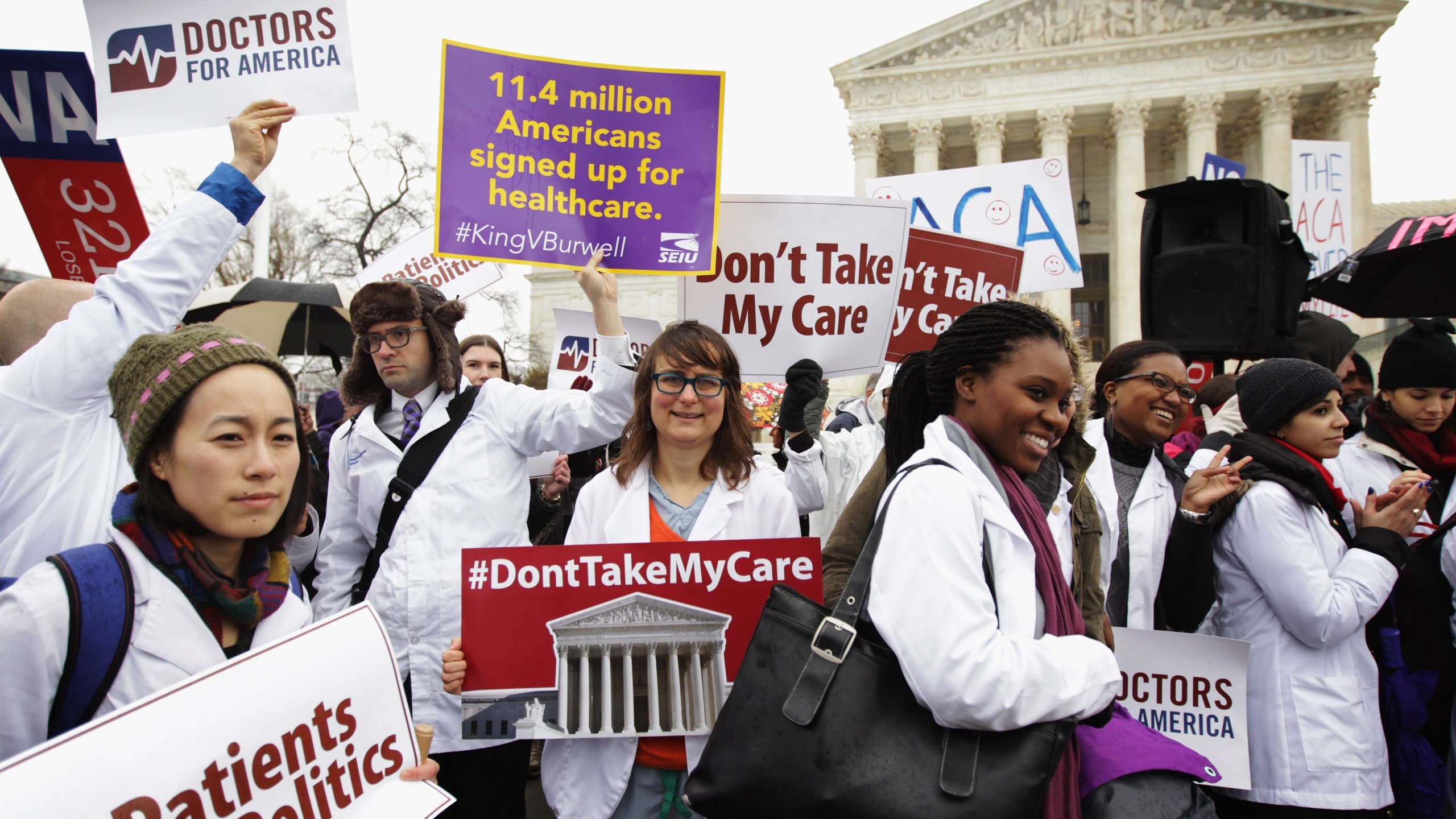 Supporters of the Affordable Care Act gather in front of the U.S Supreme Court during a rally March 4, 2015, in Washington, D.C. (Credit: Alex Wong / Getty Images)