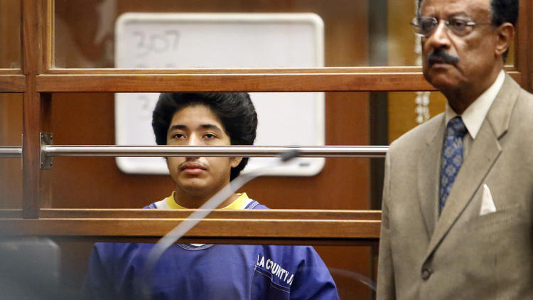 Jonathan Del Carmen, left, appears in Los Angeles Superior Court in 2015 with his attorney. (Credit: Al Seib / Los Angeles Times)