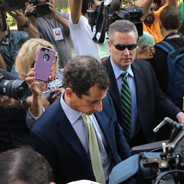 Former congressman Anthony Weiner arrives at a New York courthouse for his sentencing in a sexting case on September 25, 2017 in New York City. (Credit: Spencer Platt/Getty Images)
