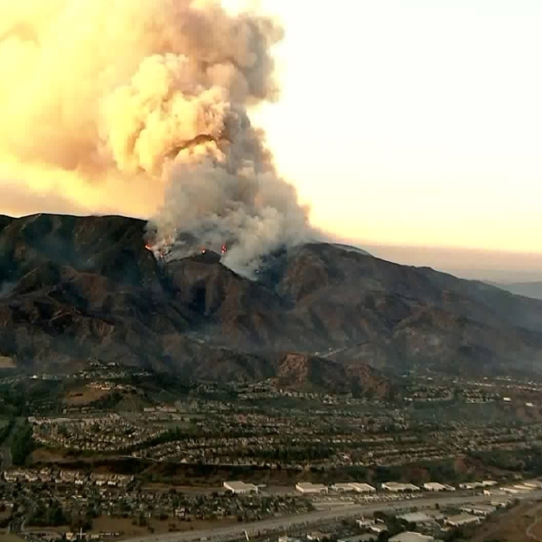 Smoke billows from the Canyon Fire on Sept. 26, 2017. (Credit: KTLA)