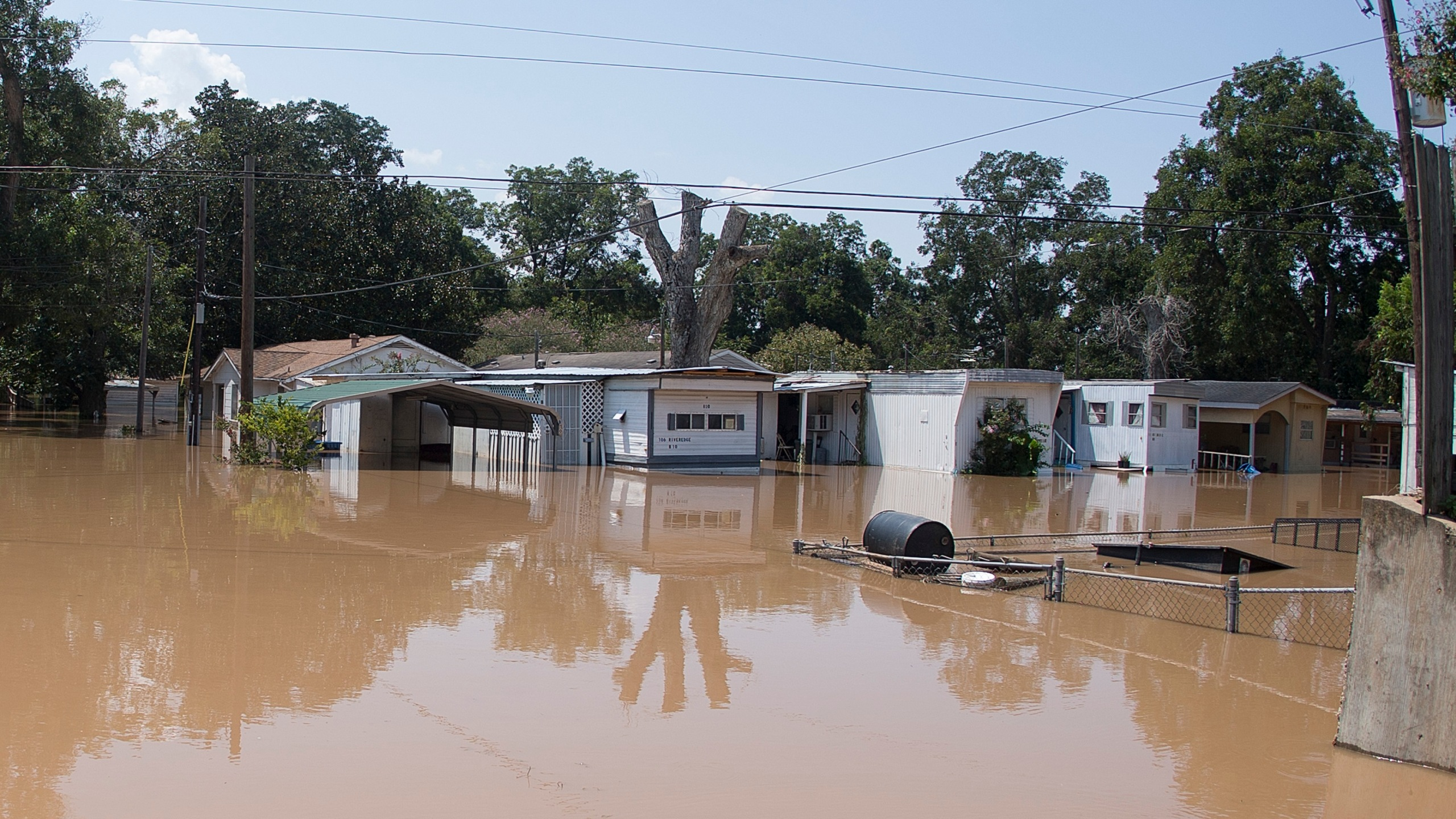 The Edgewood Trailer Park located on the banks of the Brazos River takes on water as the river reaches it's crest on September 1, 2017 in Richmond, Texas. (Credit: Bob Levey/Getty Images)