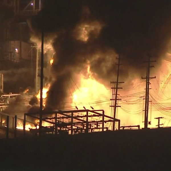 A fire was burning at the Chevron refinery in El Segundo on Oct. 17, 2017. (Credit: KTLA)