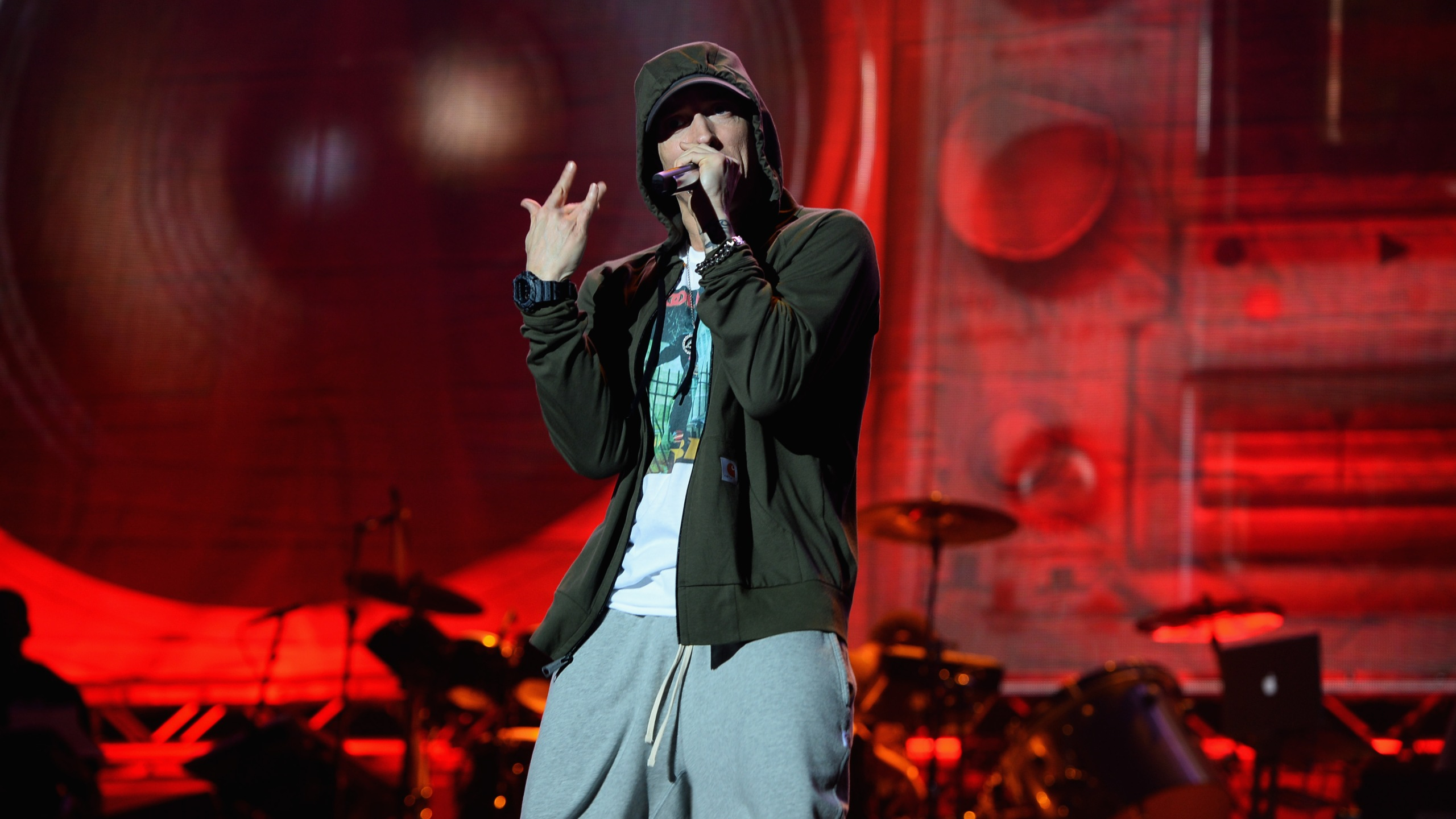 Eminem performs at Samsung Galaxy stage during 2014 Lollapalooza Day One at Grant Park on August 1, 2014 in Chicago, Illinois. (Credit: Theo Wargo/Getty Images)