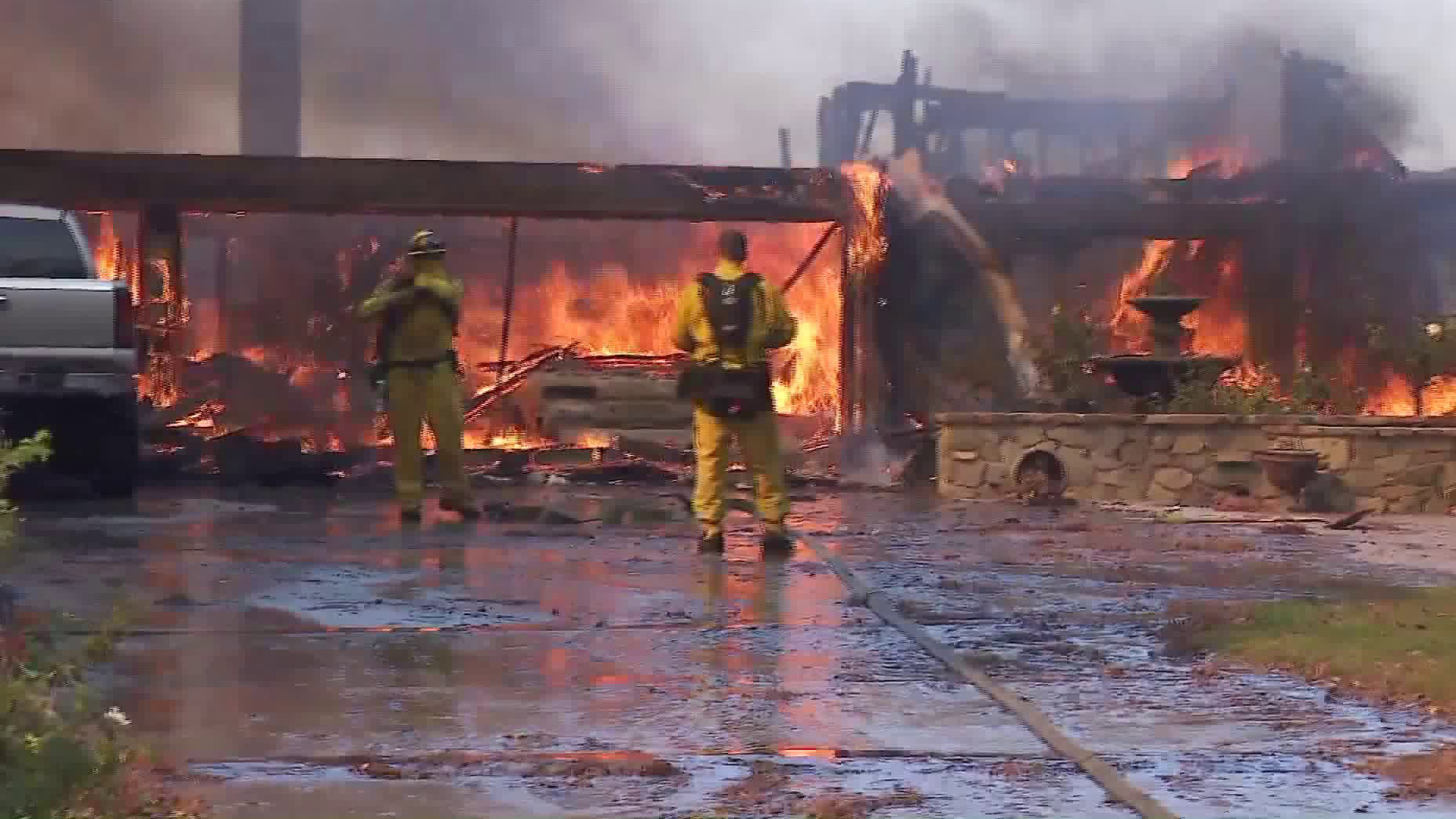 A home in Anaheim Hills appears to be destroyed during the Canyon Fire 2 on Oct. 9, 2017. (Credit: KTLA)