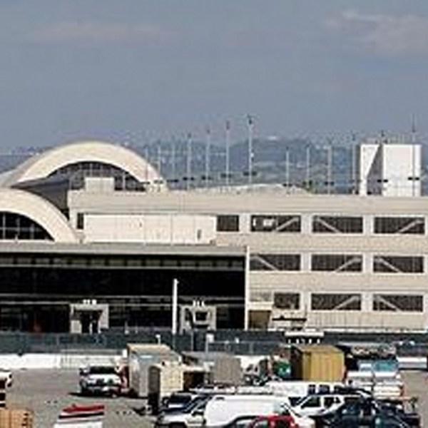 An exterior view of John Wayne Airport's Terminal C. (Credit: Allen J. Schaben / Los Angeles Times)