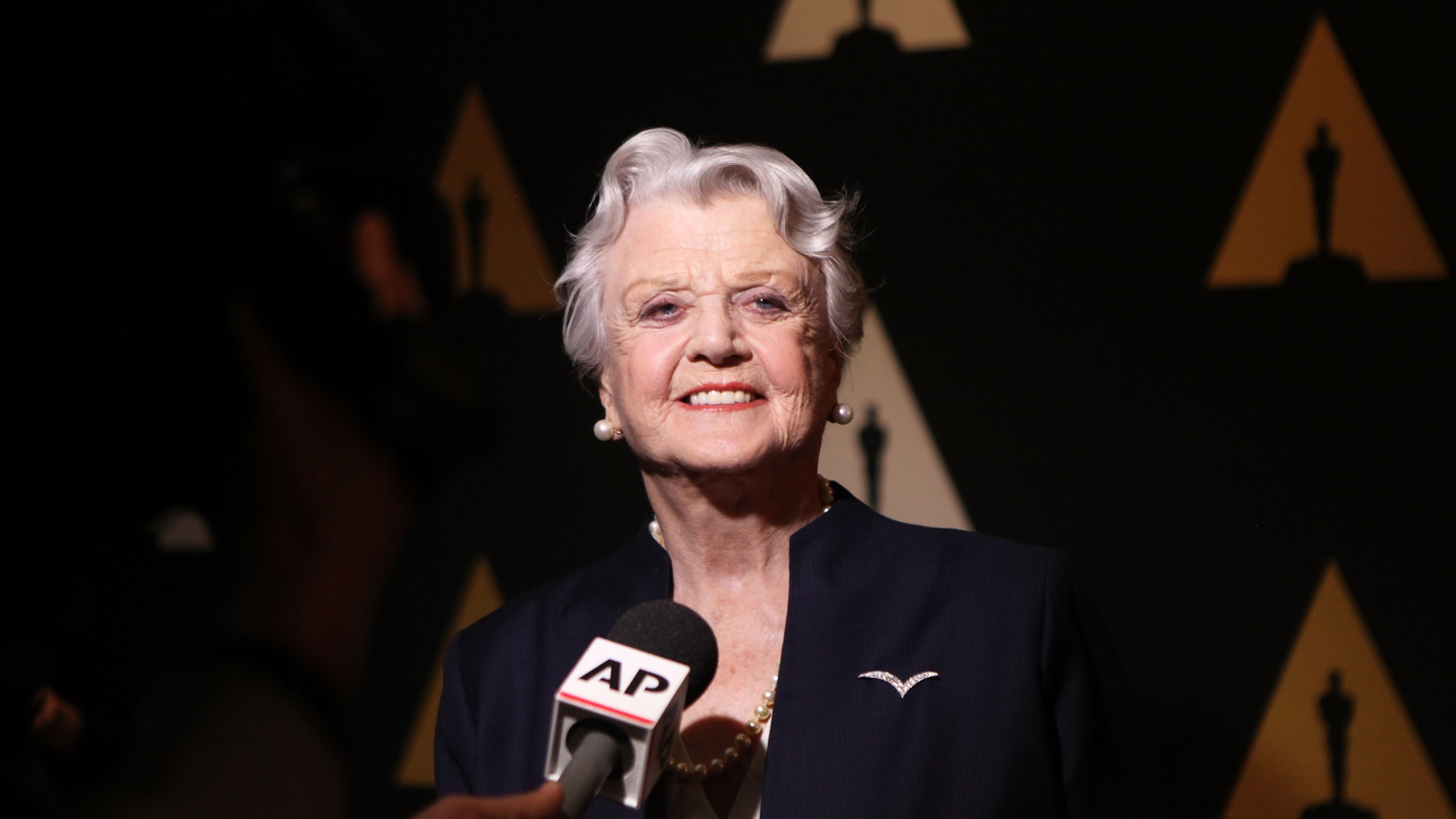 """Actress Angela Lansbury attends the 25th-anniversary screening of """"Beauty and the Beast"""" on May 9, 2016, in Beverly Hills. (Credit: Matt Winkelmeyer / Getty Images)"""