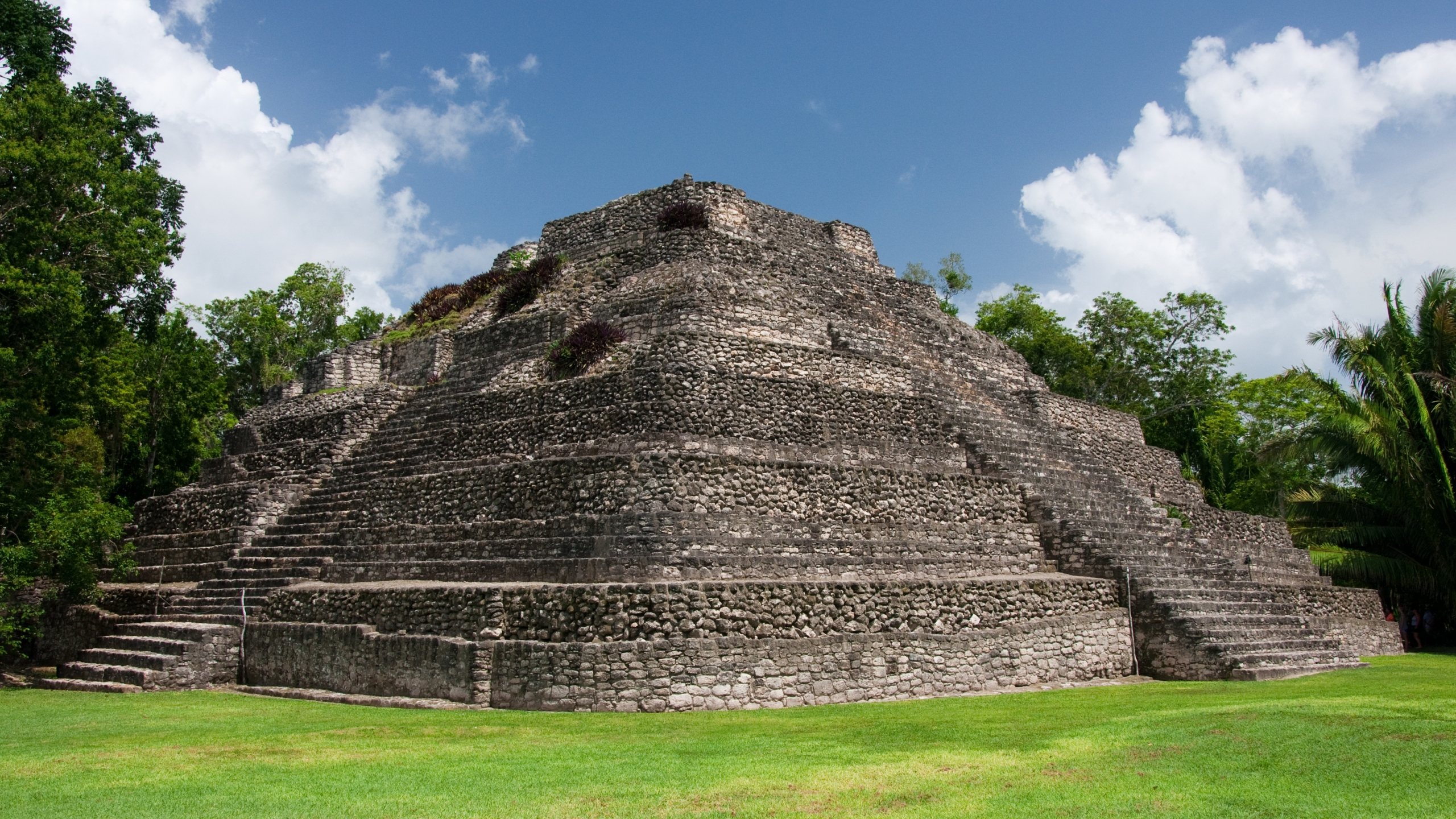 Newly restored pyramid from the Chaccoben Ruins accessible by sea at the south of the Quitaroo Roo state. (Credit: iStock / Getty Images)