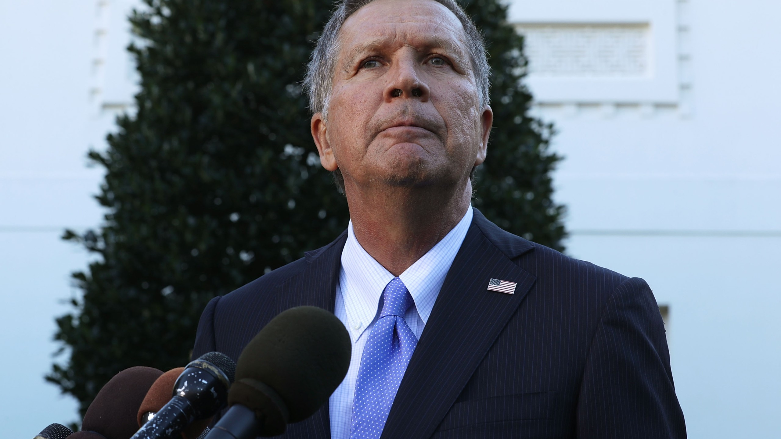 Ohio Governor John Kasich speaks to members of the media outside the West Wing November 10, 2016 at the White House in Washington, DC. (Credit: Alex Wong/Getty Images)