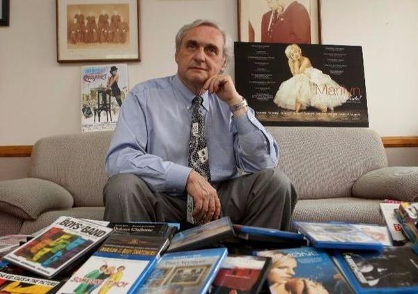 Judge Alex Kozinski of the U.S. 9th Circuit Court of Appeals is shown in his chambers in 2015. (Credit: Irfan Khan / Los Angeles Times)