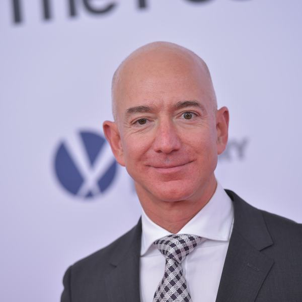Amazon CEO Jeff Bezos arrives for the premiere of 'The Post' on December 14, 2017, in Washington, DC. (Credit: MANDEL NGAN/AFP/Getty Images)