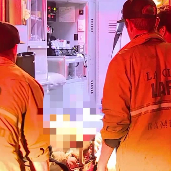 Emergency crews respond to a shooting in South Los Angeles on Jan. 29, 2018. (Credit: Loudlabs)