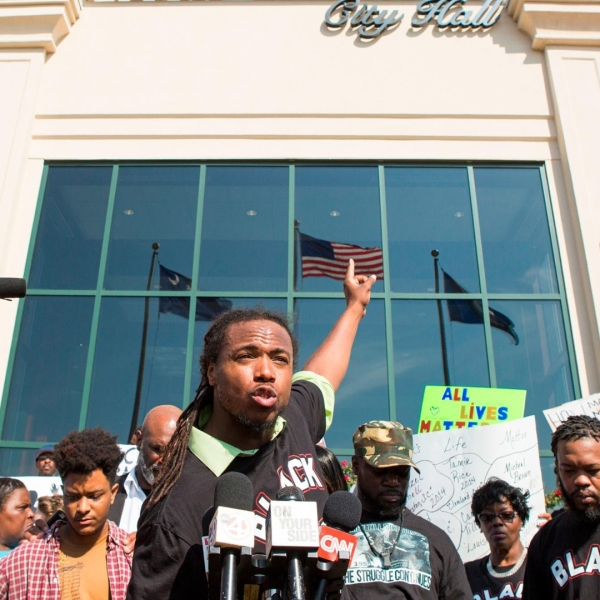 Muhiydin Moye addresses the crowd at a 2015 Walter Scott demonstration in North Charleston. (Credit: Alex Holt/The Washington Post/Getty Images)