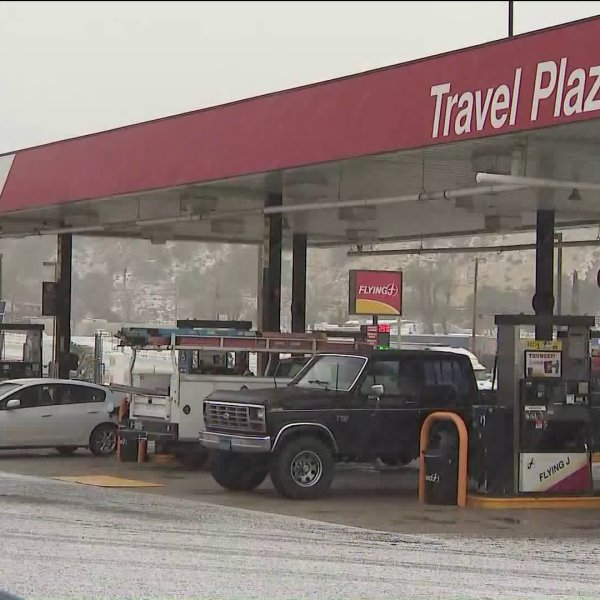 Light snow blankets the Grapevine area early Saturday morning on Feb. 24, 2018. (Credit: KTLA)