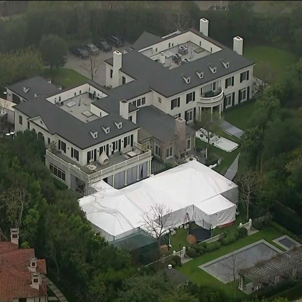 Sky5 aerials show what could be the home hosting President Donald Trump's fundraiser in the Beverly Park area on March 13, 2018. (Credit: KTLA)
