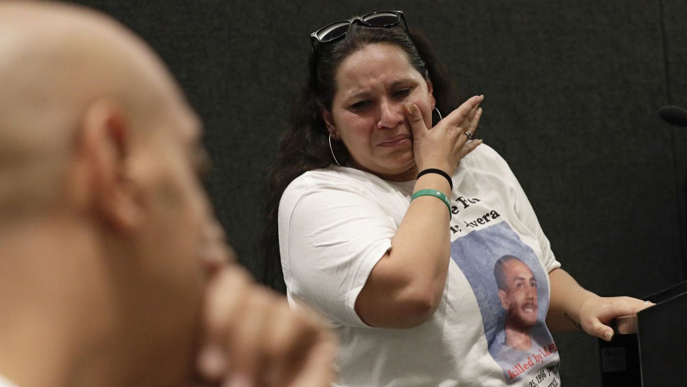 Valerie Rivera, the mother of Eric Rivera, sobs after addressing the L.A. Police Commission on April 10, 2018. (Credit: Irfan Khan / Los Angeles Times)