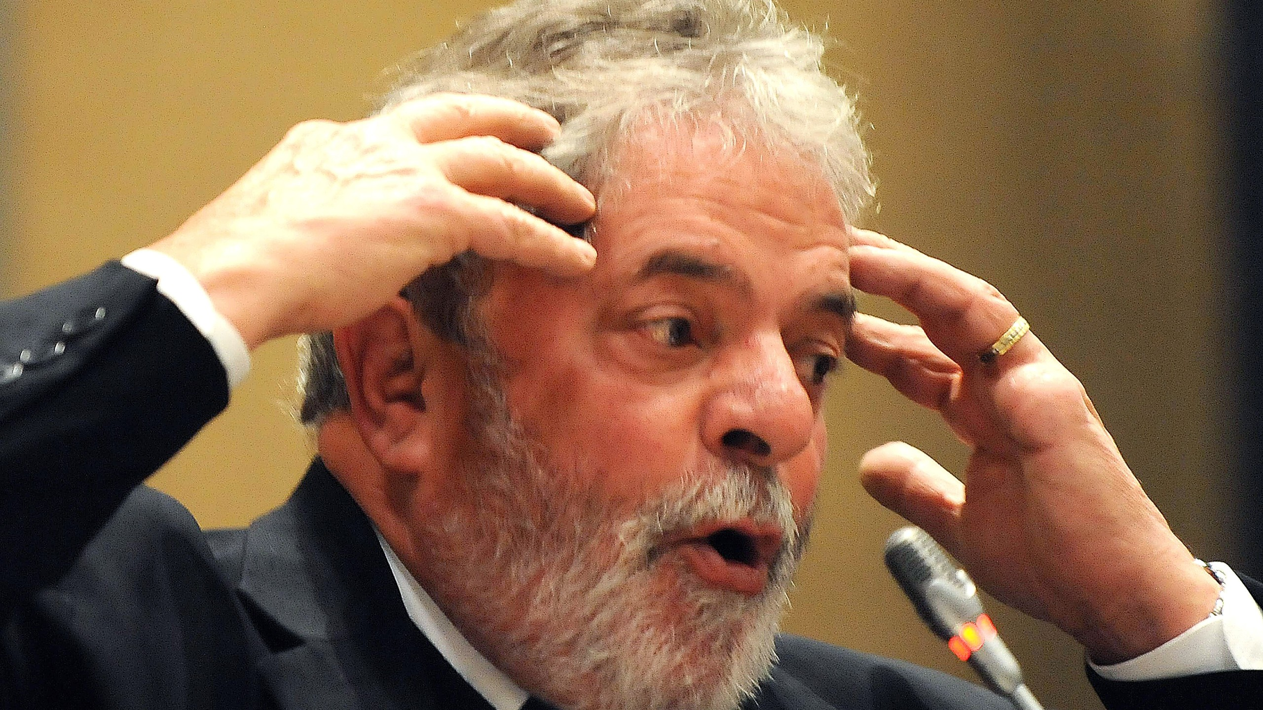 Brazil's President Luiz Inacio Lula da Silva delivers a speech during the closing ceremony of the South Africa-Brazil Business Forum in Johannesburg on July 9, 2010. (Credit: Antonio Scorza/AFP/Getty Images)