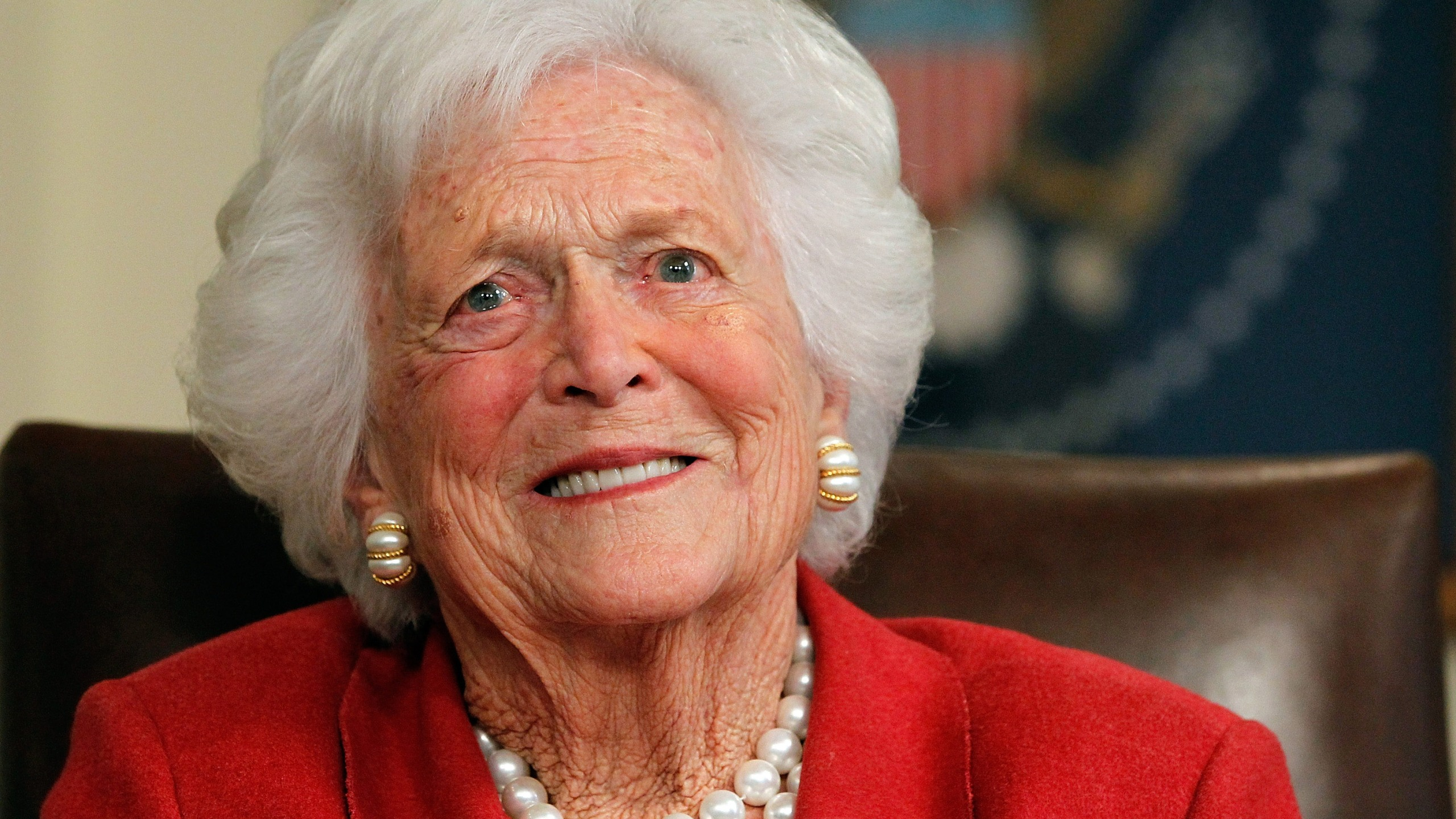 Barbara Bush talks with Republican presidential candidate, former Massachusetts Gov. Mitt Romney at Former President George H. W. Bush's office on March 29, 2012 in Houston, Texas. (Credit: Tom Pennington/Getty Images)