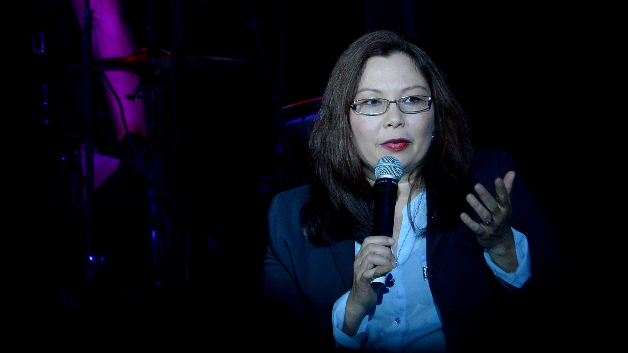 U.S. Senator Tammy Duckworth introduces Joe Walsh at the VetsAid Charity Benefit Concert at Eagle Bank Arena on Sept. 20, 2017 in Fairfax, Virginia. (Credit: Shannon Finney/Getty Images)