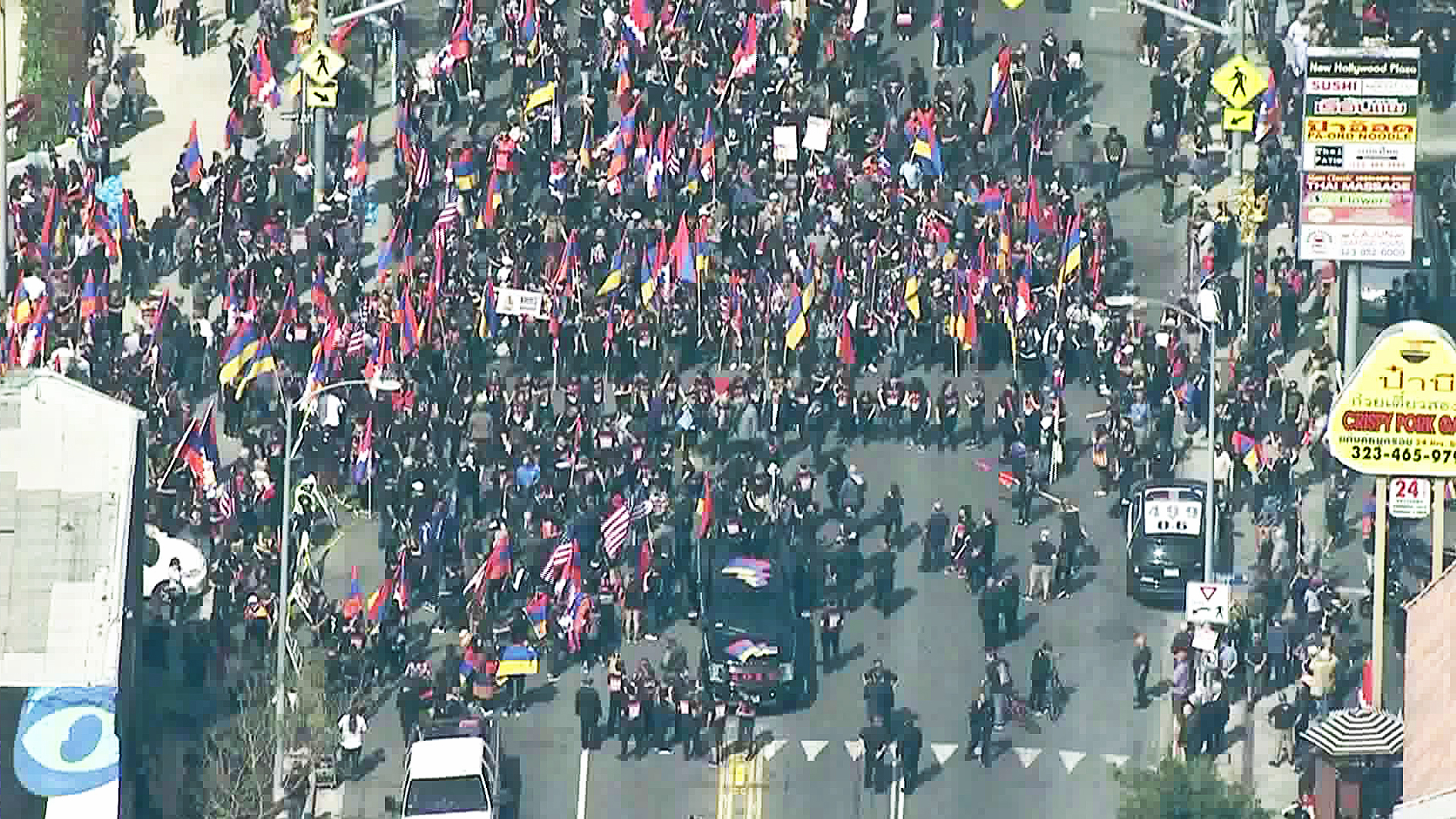 A march on the anniversary of the Armenian genocide brought thousands of people to Hollywood on April 24, 2018. (Credit: KTLA)