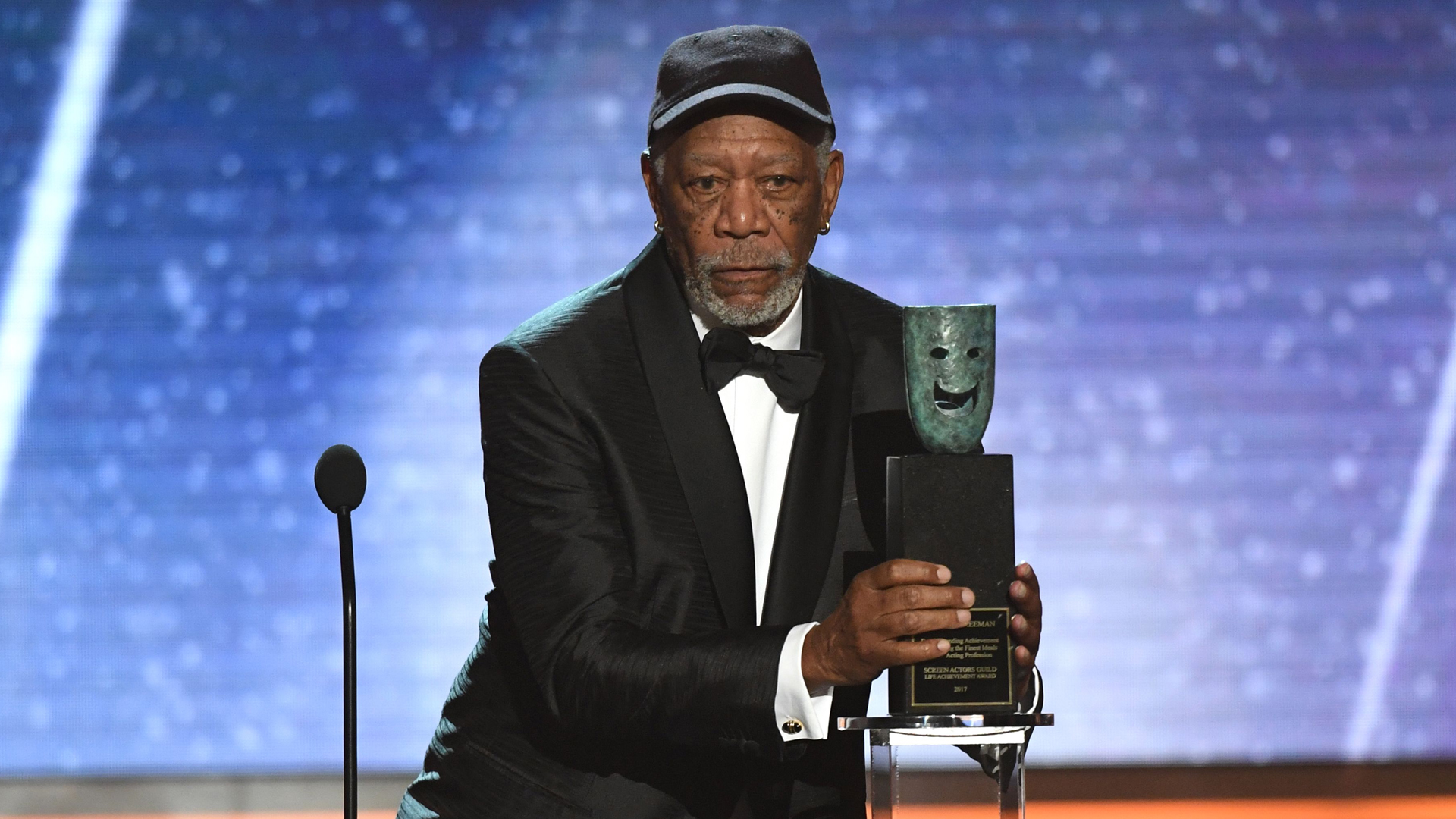 Morgan Freeman accepts the Life Achievement Award onstage during the 24th Annual Screen Actors Guild Awards show at The Shrine Auditorium on January 21, 2018 in Los Angeles, California. / AFP PHOTO / Mark RALSTON (Photo credit should read MARK RALSTON/AFP/Getty Images)