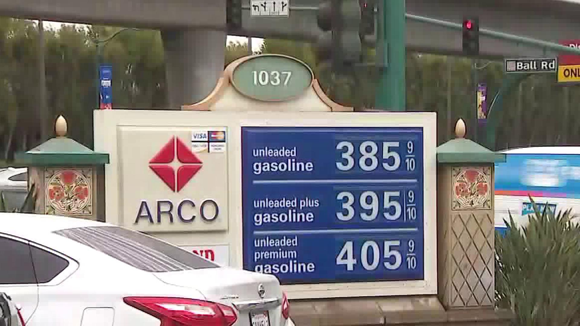 An Arco gas station sign near Disneyland on May 24, 2018. (Credit: KTLA)