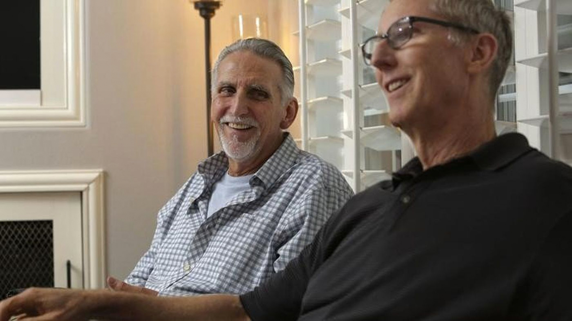 Craig Coley, left, spent 39 years behind bars. He calls retired detective Michael Bender, who helped free him, his savior. (Credit: Bill Wechter / San Diego Union-Tribune / CNG via Los Angeles Times)