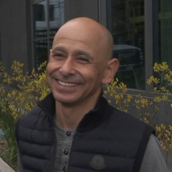 "Mike Smith, the jockey riding 2018 Kentucky Derby favorite ""Justify,"" speaks to KTLA about the big race on April 30, 2018. (Credit: KTLA)"