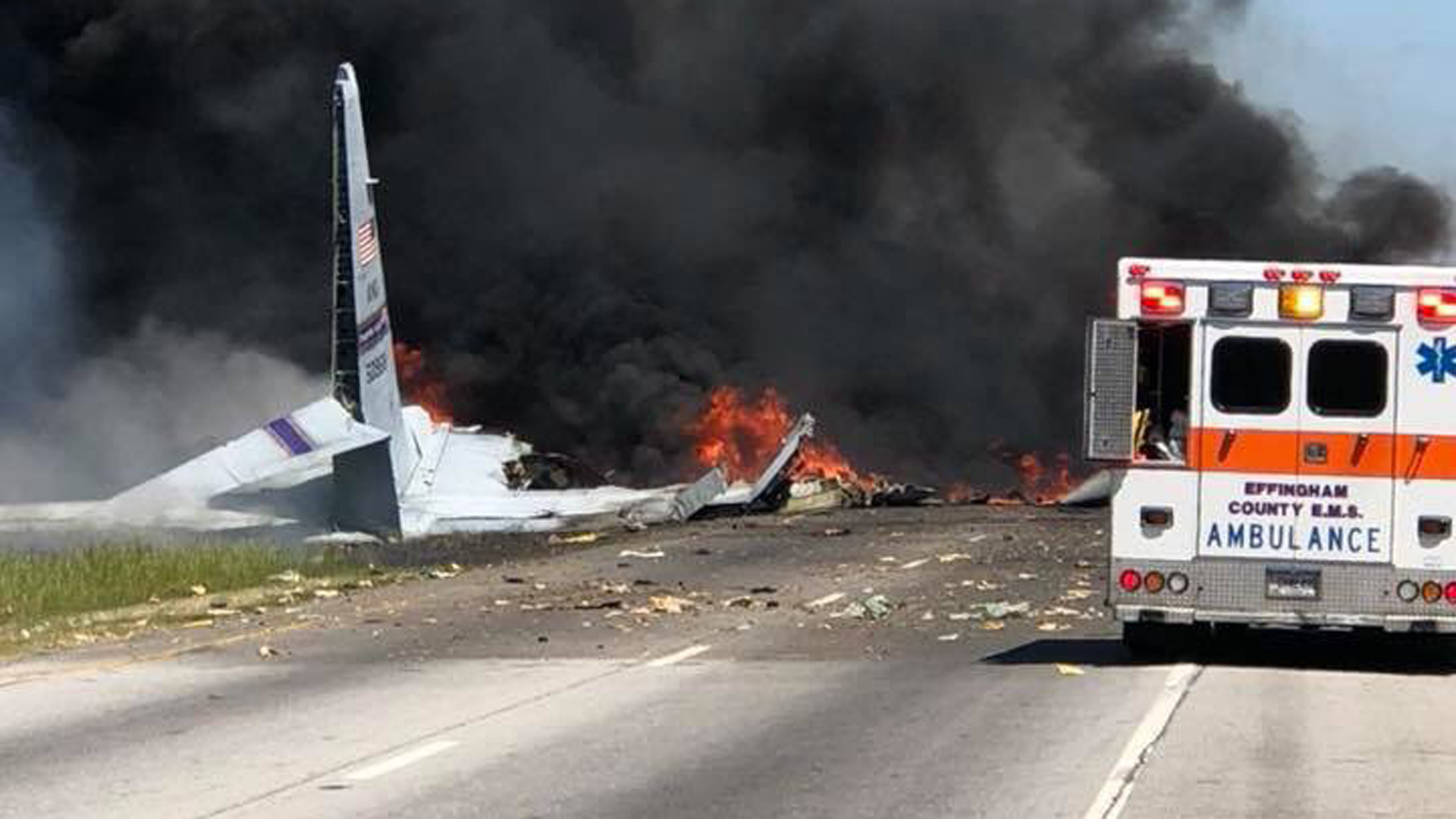 A military plane crashed in Savanah, Georgia on May 2, 2018. (Credit: Savannah Professional Firefighters Association via Twitter)