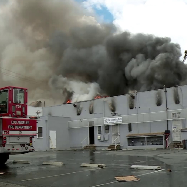 Firefighters respond to a fire at a strip mall in Mar Vista on May 22, 2018. (Credit: RMG News)