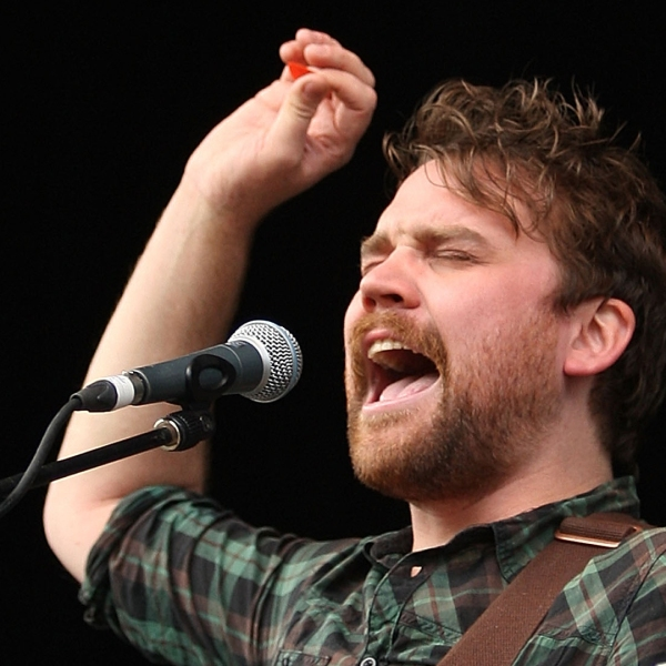Scott Hutchison of Frightened Rabbit performs on stage during the Splendour in the Grass music festival on Aug. 1, 2010 in Woodford, Australia. (Credit: Mark Metcalfe/Getty Images)