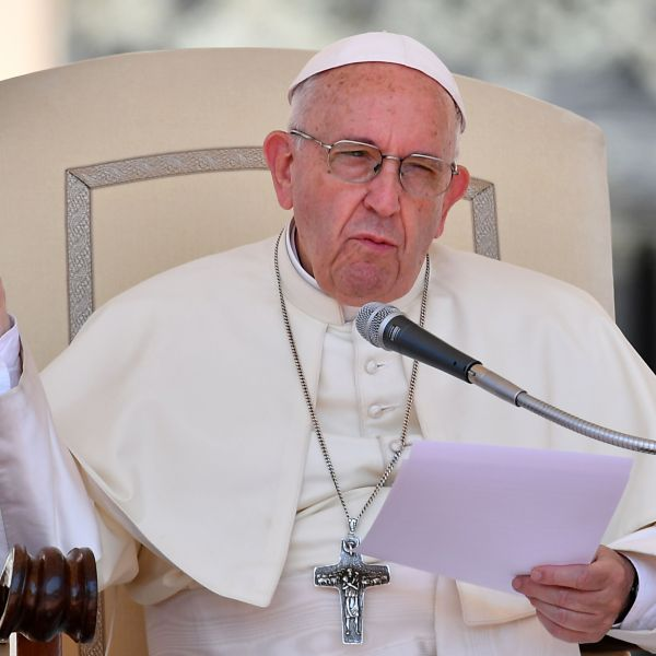 Pope Francis addresses faithfuls in St Peters square at the Vatican during his weekly general audience on June 20, 2018. (Credit: VINCENZO PINTO/AFP/Getty Images)