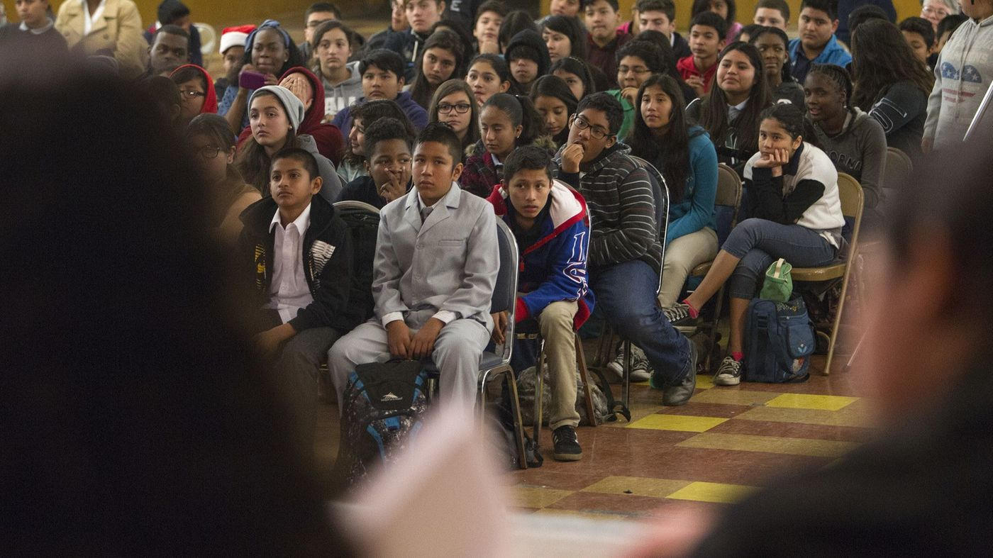 Students at Drew Middle School watch classmates debate in this 2014 photo. Teachers at the school have not been evaluated enough, says the advocacy group Parent Revolution. (Credit: Gina Ferazzi / Los Angeles Times)