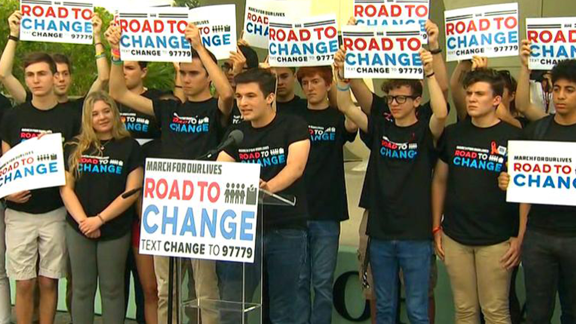 "Marjory Stoneman Douglas High School students announce the ""Road to Change"" tour at a news conference in Parkland, Fla., on June 4, 2018. (Credit: CNN)"