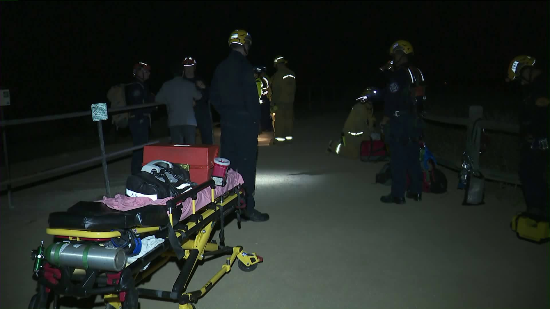 Firefighters respond to a rescue in Rancho Palos Verdes on June 7, 2018. (Credit: KTLA)