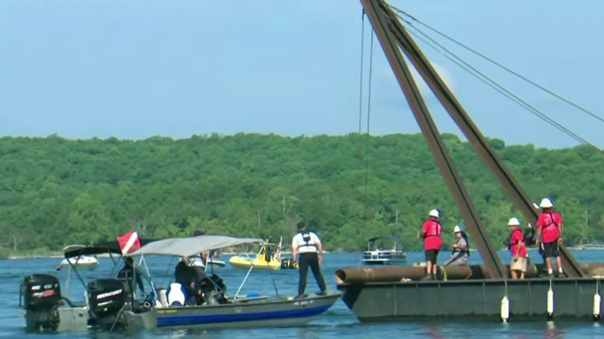 Recovery efforts of a boat that sank in a Missouri lake continued on July 23, 2018. (Credit: CNN)