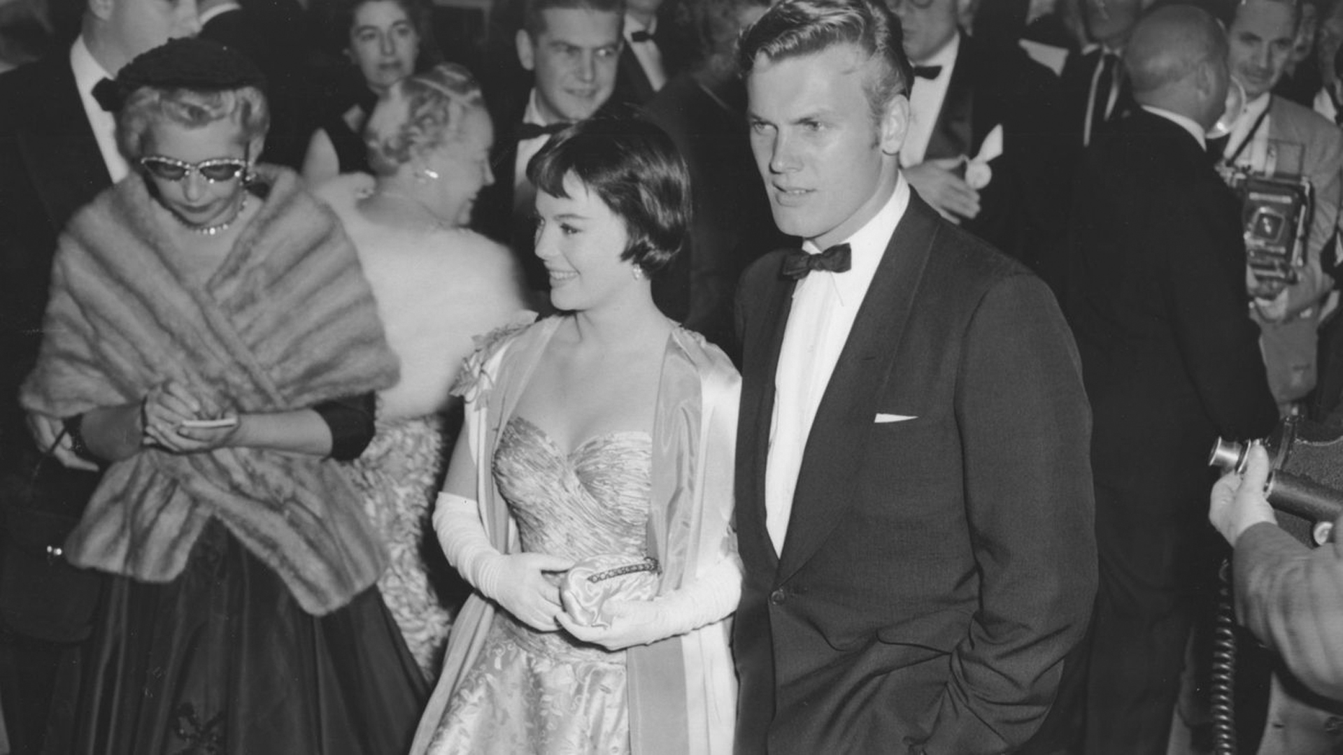 """Tab Hunter with Natalie Wood after she was Oscar-nominated for her supporting role in """"Rebel Without a Cause."""" (Credit: Los Angeles Times)"""