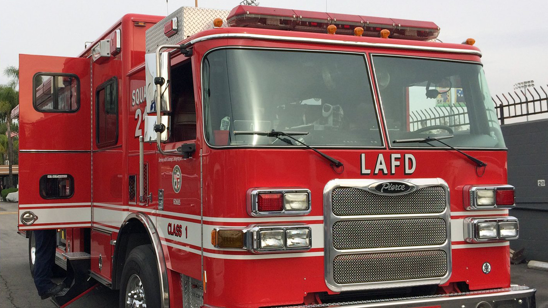 File photo of a Los Angeles Fire Department engine (Credit: KTLA)