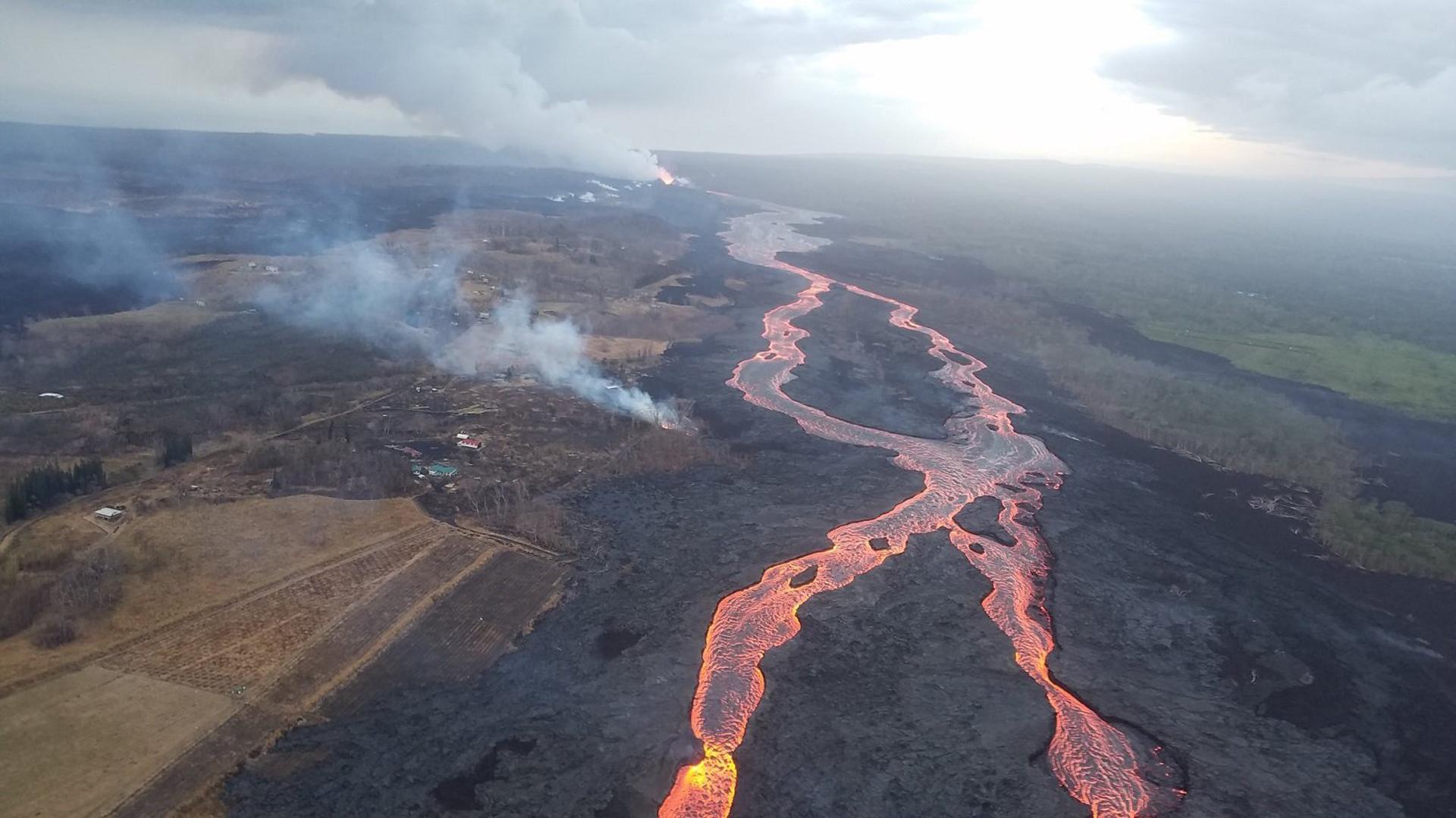 Lava flows toward the ocean in Hawaii. (Credit: USGS)