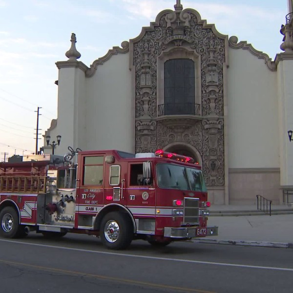 Crews respond to the St. Charles Borromeo Catholic Church in North Hollywood on July 25, 2018. (Credit: KTLA)